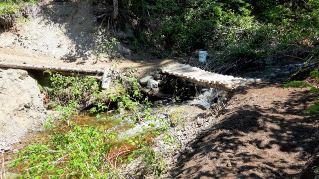 The new crossing, with fresh trail in and out.